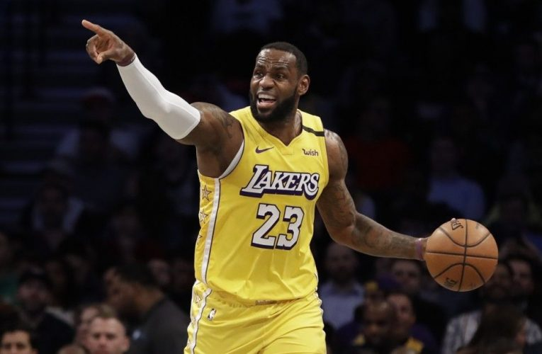 """Bill Lambier: """"LeBron James é o melhor jogador da história do basquete"""""""